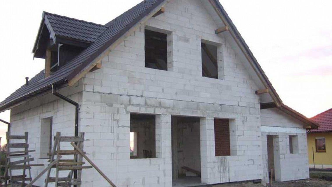 Уютный проект мансардного дома