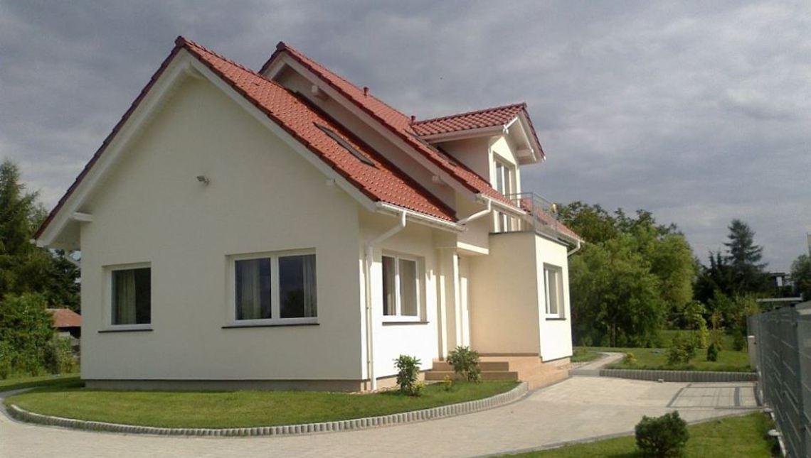 Проект классического загородного дома с элементами модернового стиля