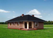 Уютный одноэтажный коттедж с колоннами и террасами