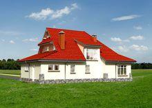 Красочный жилой дом с каменным цоколем и резными окнами