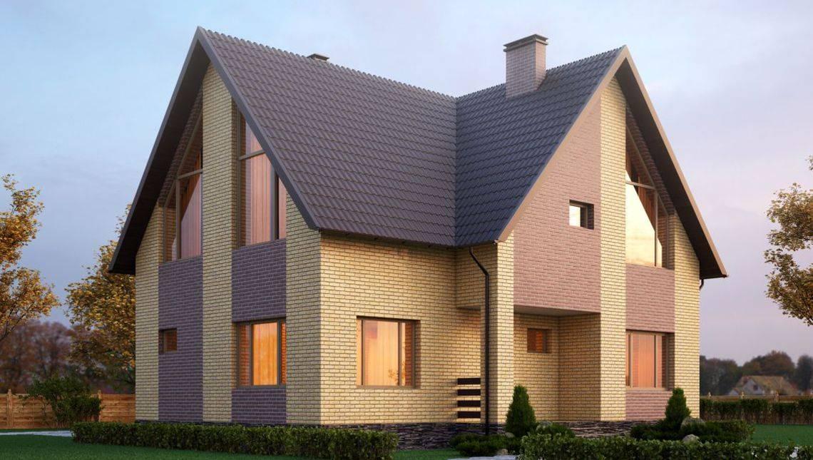 Двухэтажный особняк необычной планировки с высокой крышей