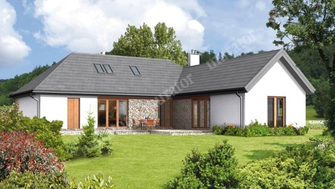 Красивый дом декорированный натуральным камнем