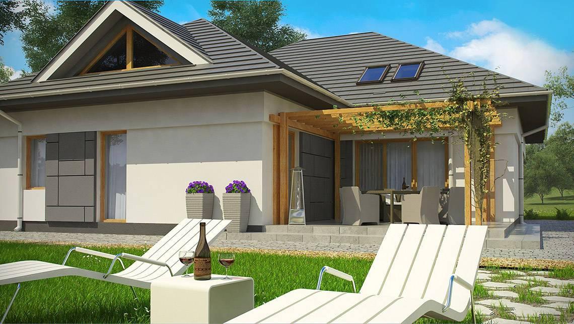 Проект дачного домика с фасадными окнами на мансарде